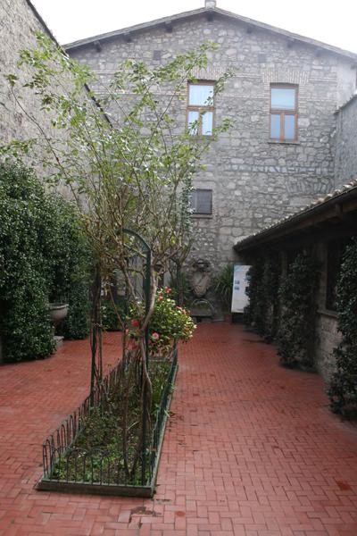 Museo della casa di santa rosa roma artigiana creativa for Sito web di progettazione della casa