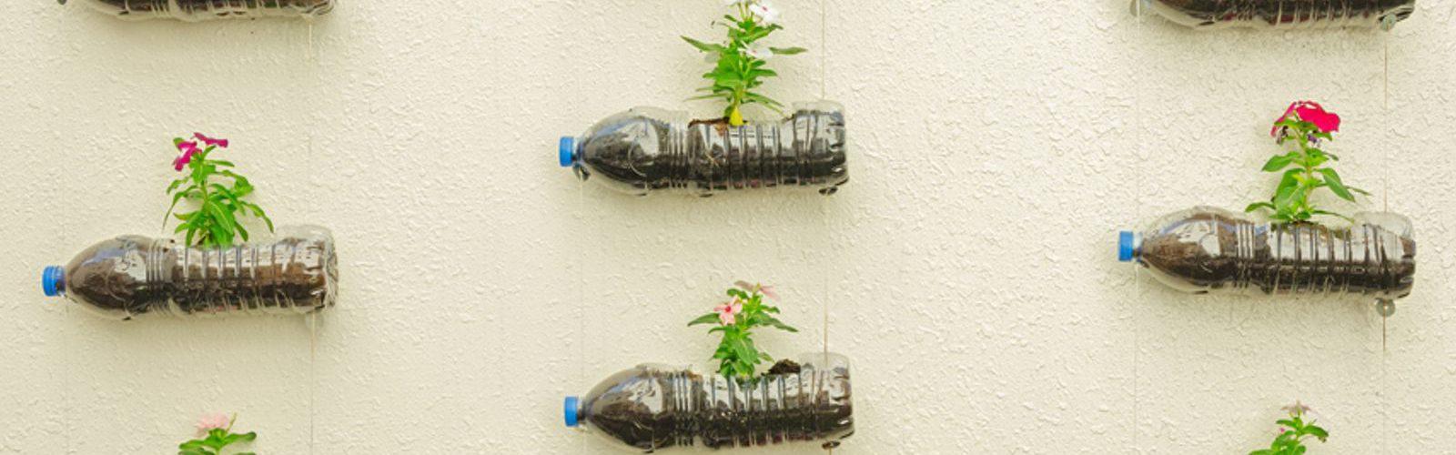 Idee Di Riciclo Per Natale come ridare vita alle bottiglie di plastica: 9 idee di